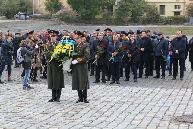 Сьогодні Львів відзначає День захисника України (ФОТОРЕПОРТАЖ) (фото) - фото 4