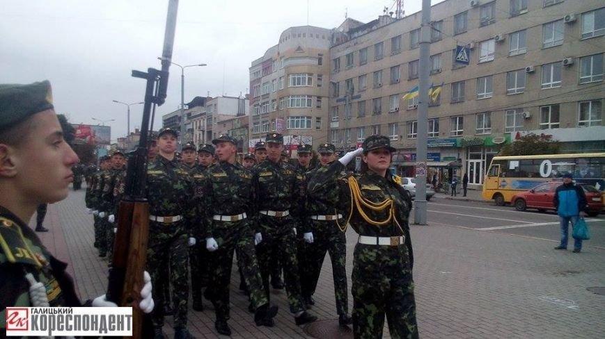 У Франківську дівчата йшли строєм нарівні з хлопцями (ФОТО), фото-5