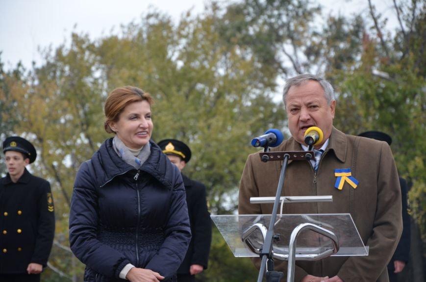 В День защитника Украины Мариуполь посетила первая леди (ФОТО+ВИДЕО), фото-18