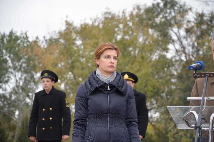 В День защитника Украины Мариуполь посетила первая леди (ФОТО+ВИДЕО), фото-24