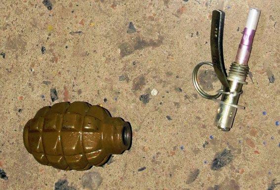 На блокпосту в Красноармейске задержали мужчину с гранатой (фото) - фото 2
