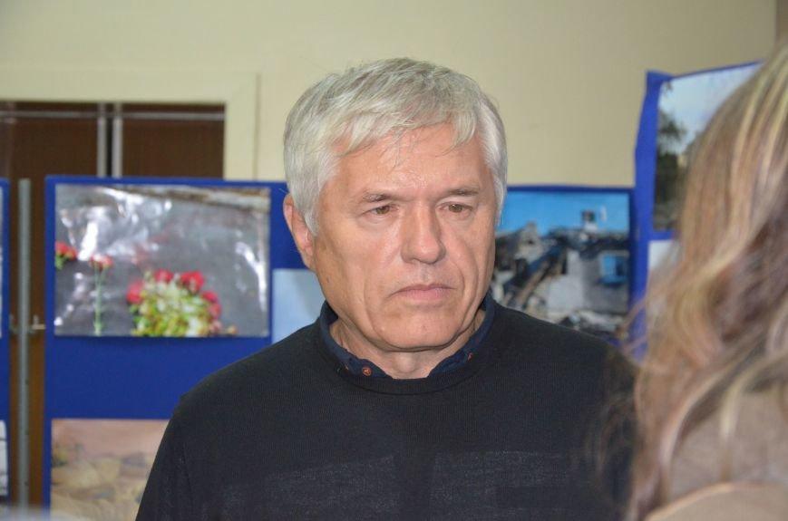 В Мариуполе открылась персональная выставка журналиста Николая Рябченко (ФОТО), фото-9