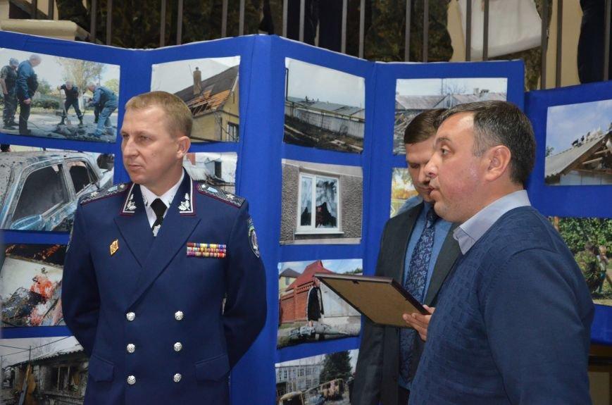 В Мариуполе открылась персональная выставка журналиста Николая Рябченко (ФОТО), фото-22