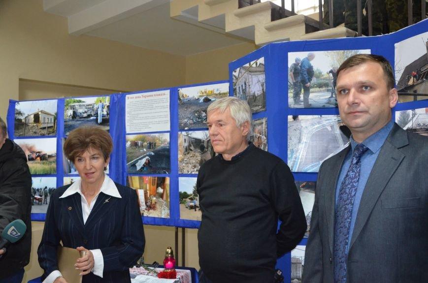 В Мариуполе открылась персональная выставка журналиста Николая Рябченко (ФОТО), фото-16