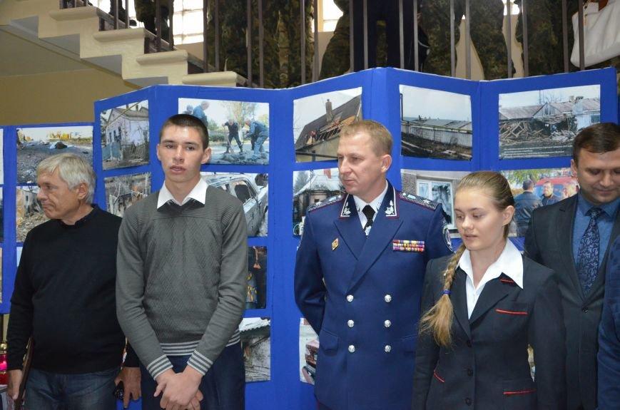 В Мариуполе открылась персональная выставка журналиста Николая Рябченко (ФОТО), фото-24