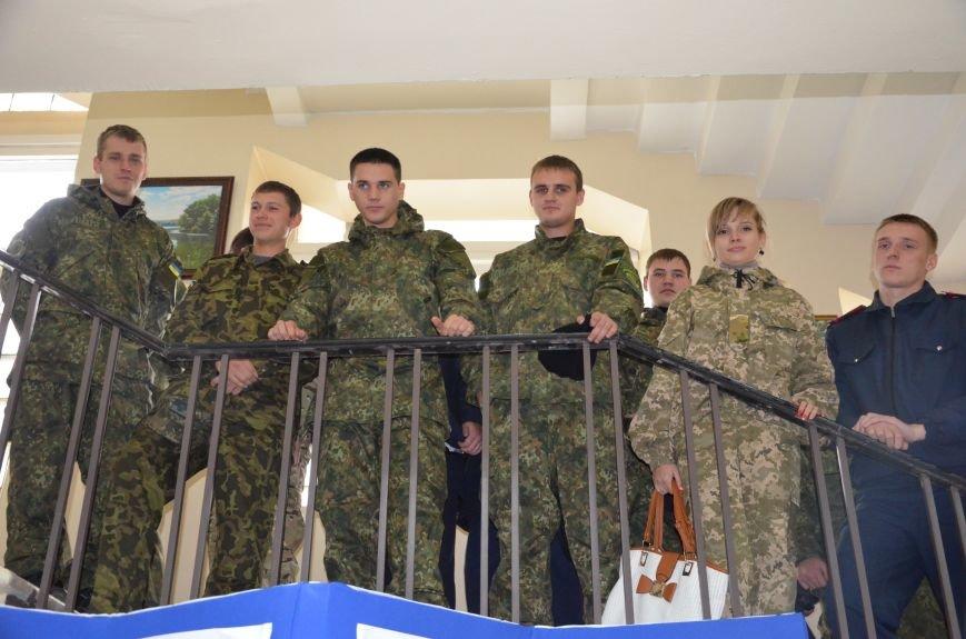 В Мариуполе открылась персональная выставка журналиста Николая Рябченко (ФОТО), фото-14