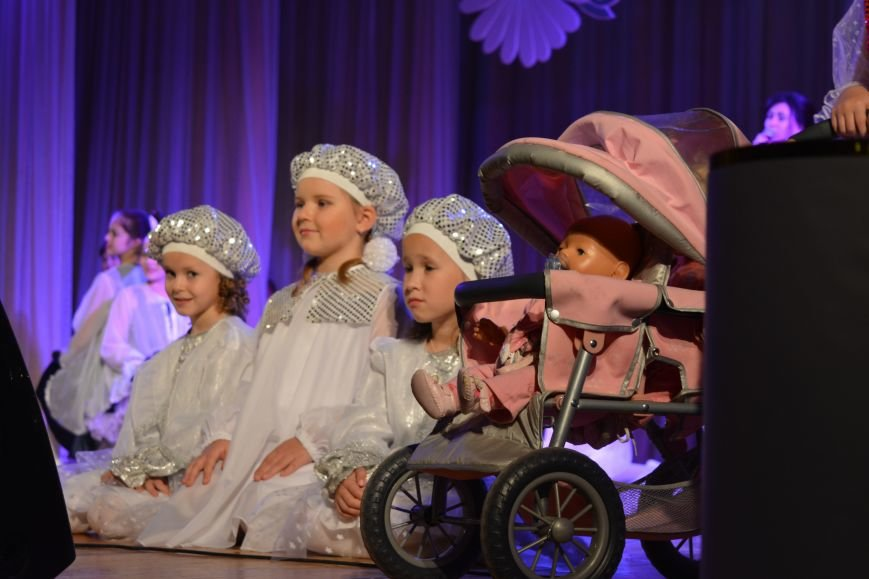 Фоторепортаж: праздничный концерт, посвященный Дню Матери в Новополоцке, фото-1