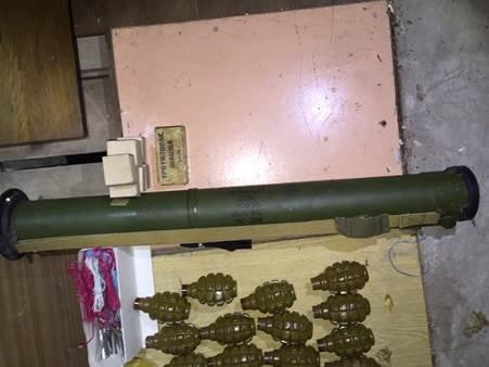 В Киеве мужчина пытался продать арсенал оружия (ФОТО) (фото) - фото 3