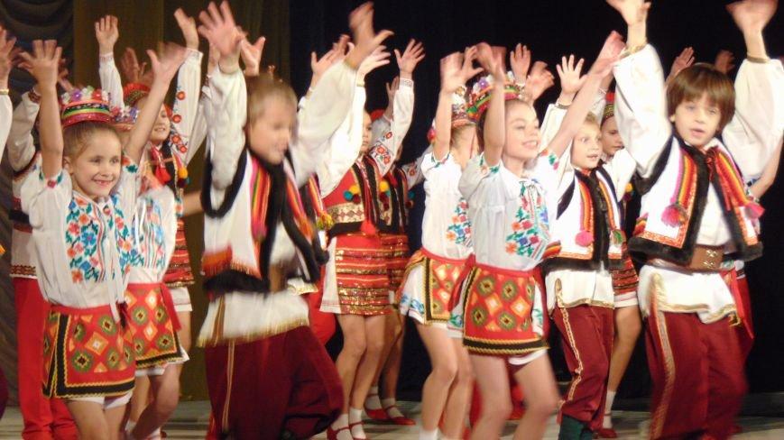 Мариуполь поздравил с праздником  своих защитников (ФОТОРЕПОРТАЖ) (фото) - фото 5