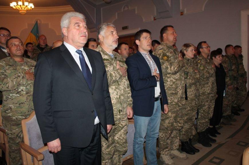 Военнослужащие отметили День защитника Украины (фото) - фото 1