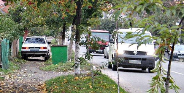 """Два """"німці"""" не поділили проїзну частину вул. Чернівецької у Сторожинці (фото) - фото 1"""