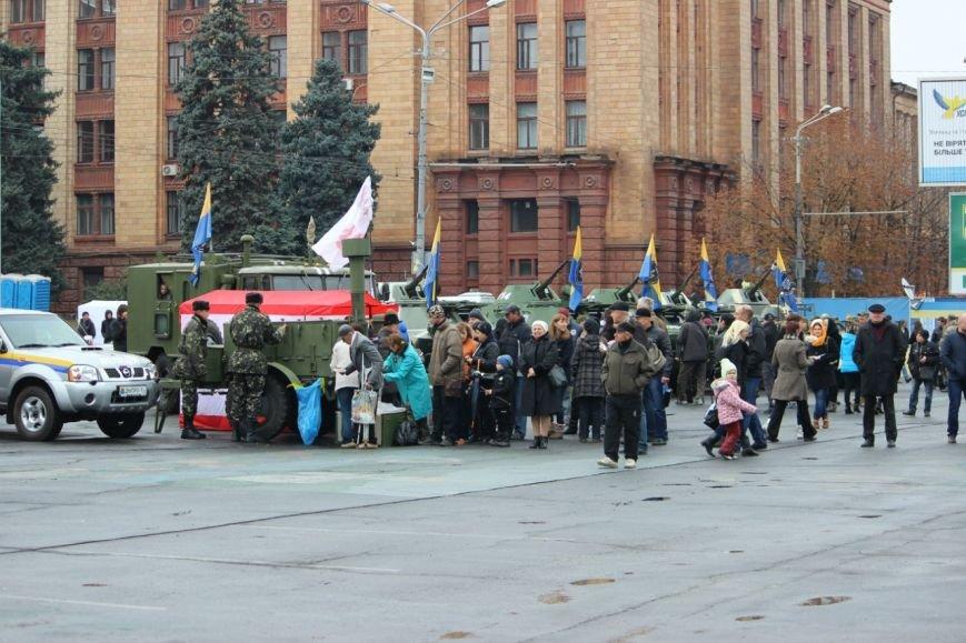 На праздновании Дня защитника Украины в Днепропетровске угощали бесплатной кашей (ФОТО), фото-6