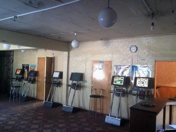 В Харькове милиция прикрыла очередное «казино», замаскированное под буфет (ФОТО) (фото) - фото 1