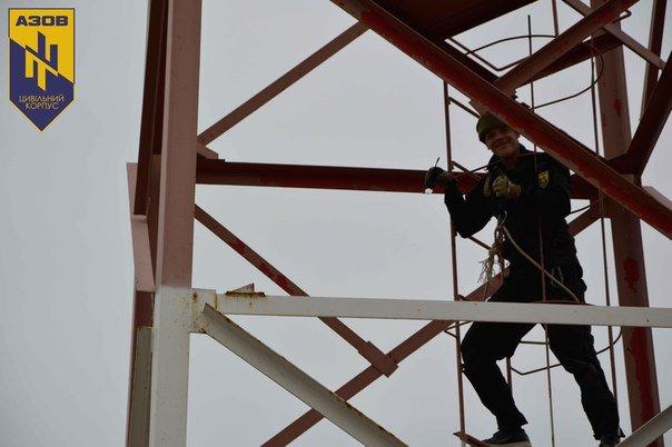 Тернопільський боєць підняв Державний прапор України на найвищій точці Чонгара (фото) (фото) - фото 1