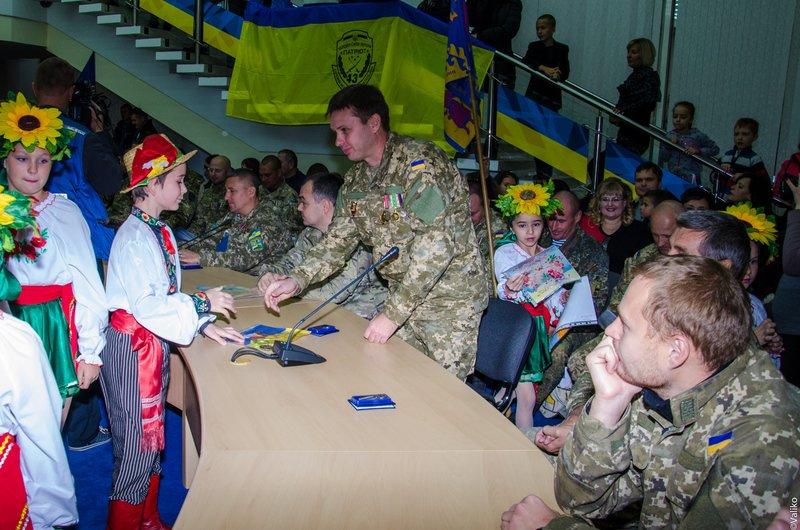 Глава области вручил награды защитникам Украины (ФОТО) (фото) - фото 2