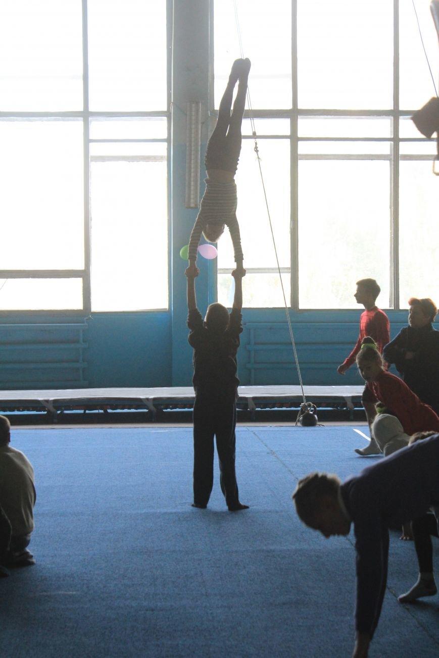 В Днепродзержинске начался чемпионат области по спортивной акробатике, фото-4