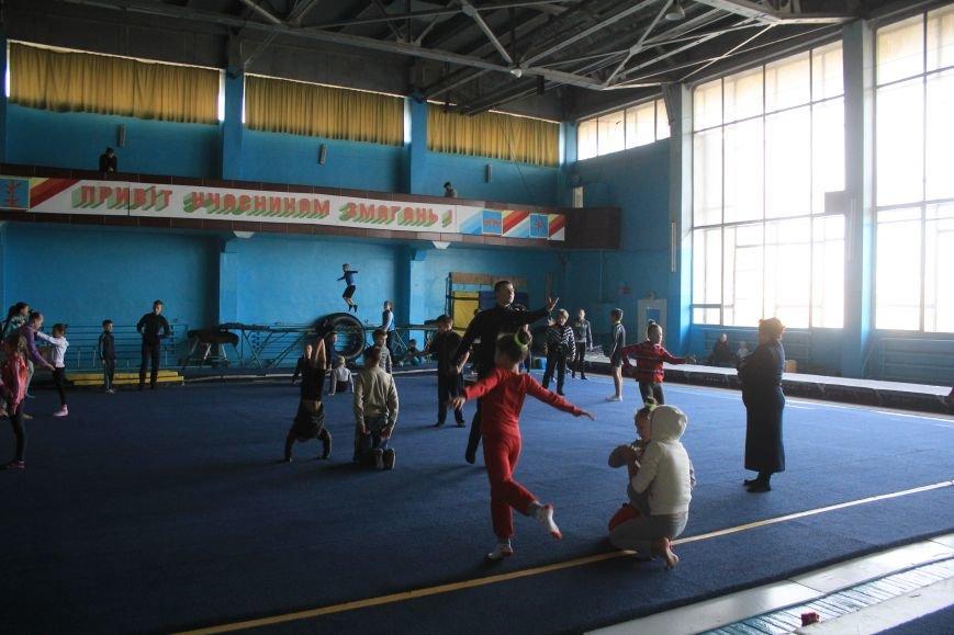 В Днепродзержинске начался чемпионат области по спортивной акробатике, фото-6