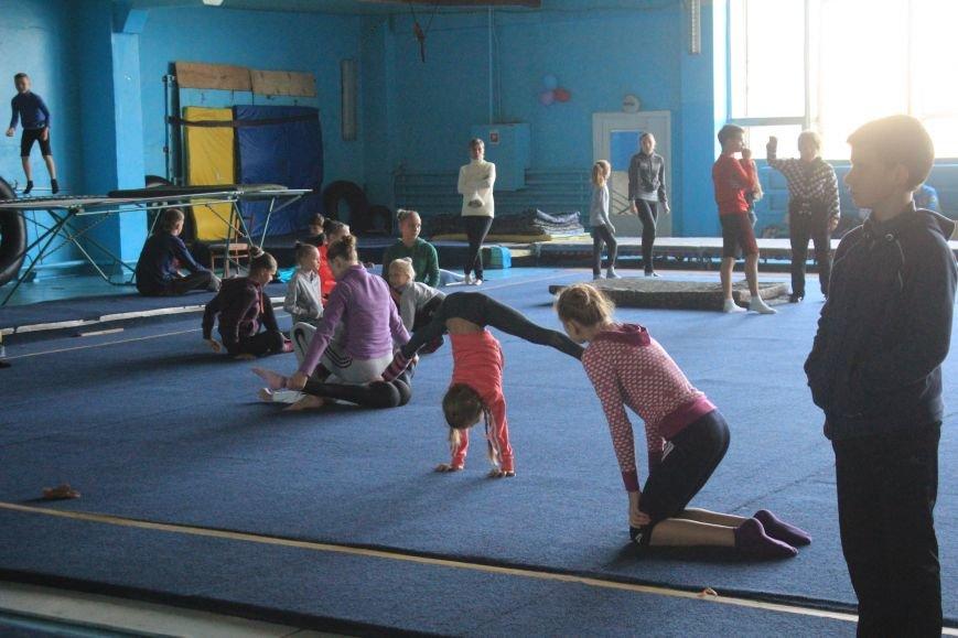 В Днепродзержинске начался чемпионат области по спортивной акробатике, фото-3