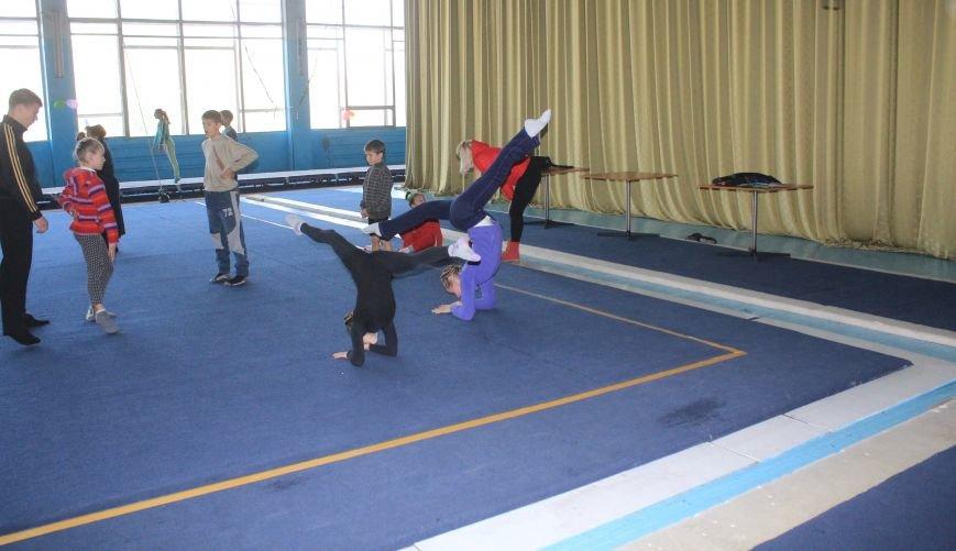 В Днепродзержинске начался чемпионат области по спортивной акробатике, фото-9