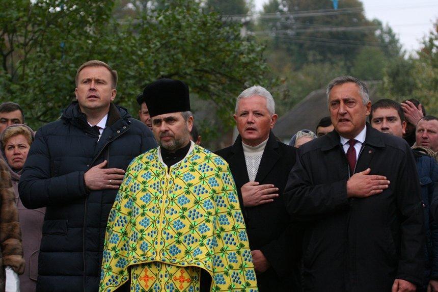 На Прикарпатті відкрили пам'ятник Борцям за волю України, фото-14