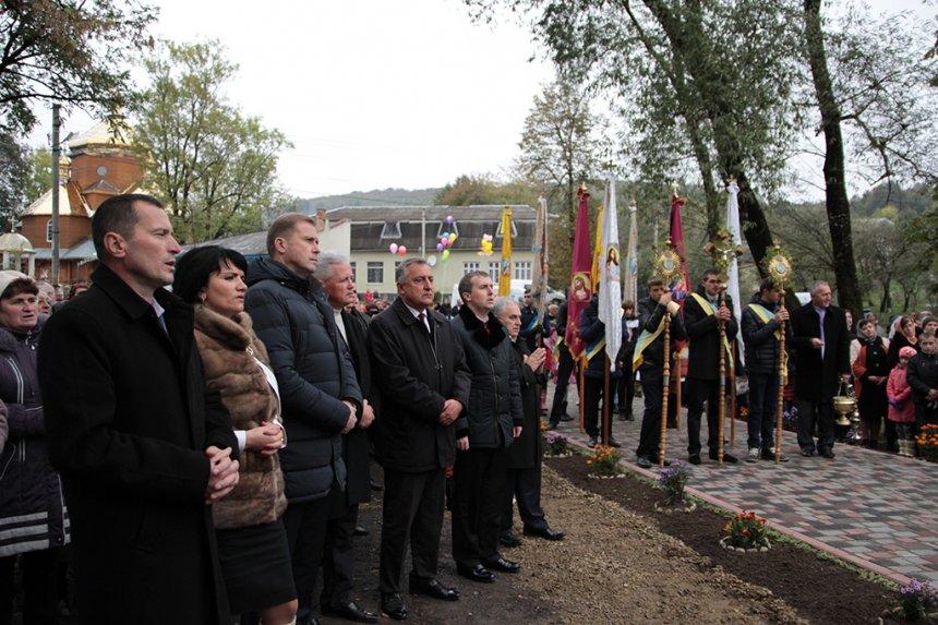 На Прикарпатті відкрили пам'ятник Борцям за волю України, фото-4