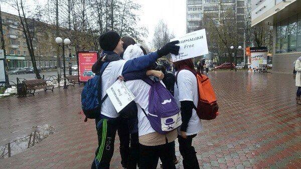 В Сыктывкаре  стартовала акция «ОбнимашкиFree» (фото) - фото 1