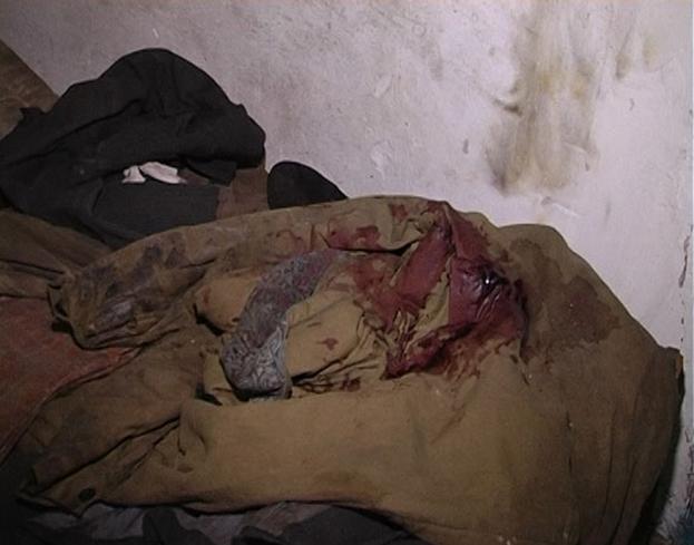 На Сумщине двое несовершеннолетних до смерти пытали мужчину, насиловав его палкой и поджигая волосы (ФОТО) (фото) - фото 1