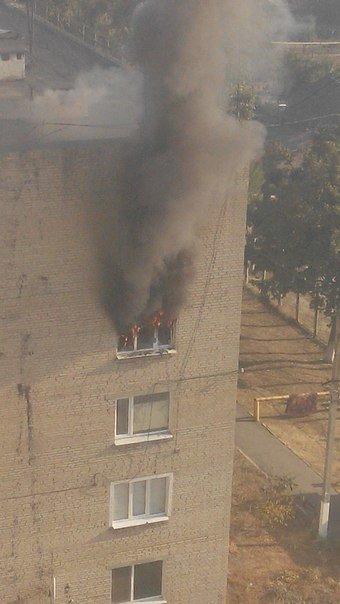 Под Харьковом горела жилая многоэтажка (ФОТО) (фото) - фото 1