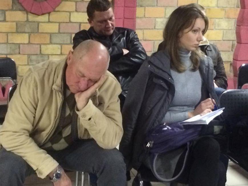 В Мариуполе после 8 часов заседания заблокирована работа территориальной комиссии (ФОТО, Видео), фото-7