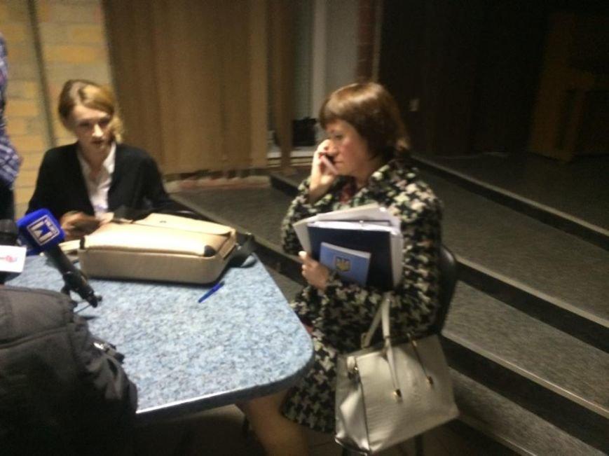 В Мариуполе после 8 часов заседания заблокирована работа территориальной комиссии (ФОТО, Видео), фото-1
