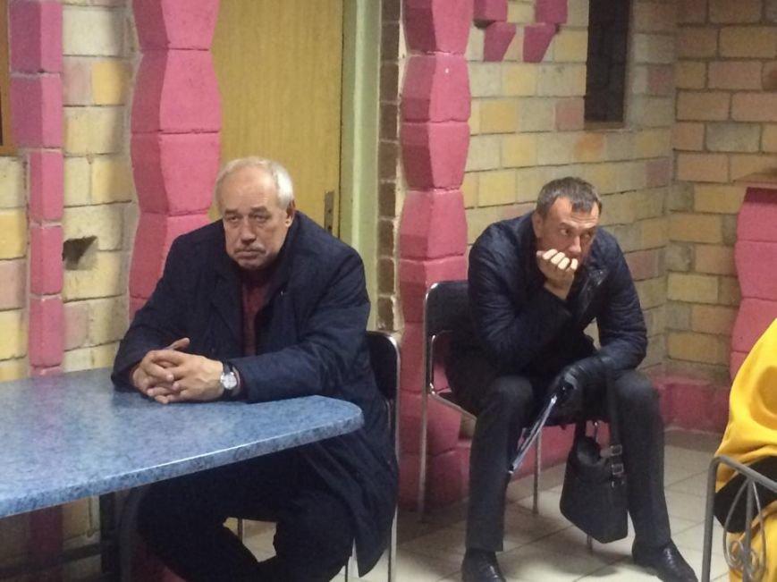 В Мариуполе после 8 часов заседания заблокирована работа территориальной комиссии (ФОТО, Видео), фото-5