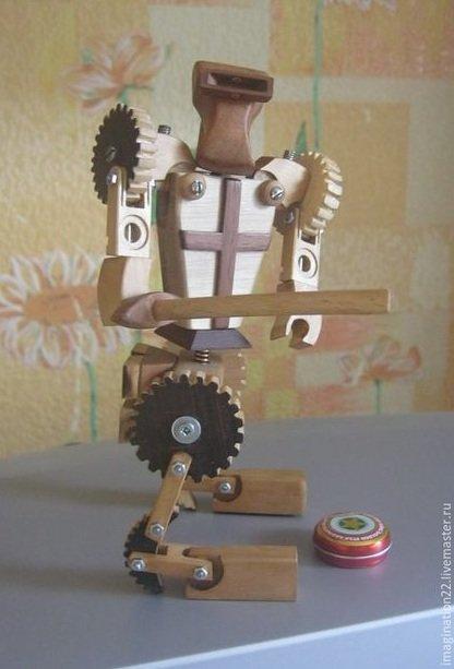 Одессит создает уникальных роботов-трасформеров из деталей фортепиано (ФОТО) (фото) - фото 1