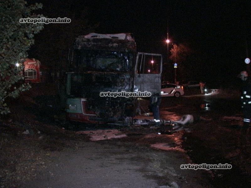 В Киеве заживо сгорел водитель грузовика (ФОТО), фото-6