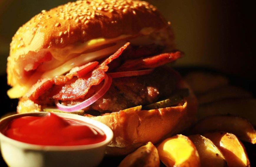 Вкусная контрабанда в виде бургеров и салатов теперь доступна (фото) - фото 5