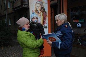 Рятувальники дбають про безпеку мешканців краю в осінньо-зимовий період (фото) - фото 1