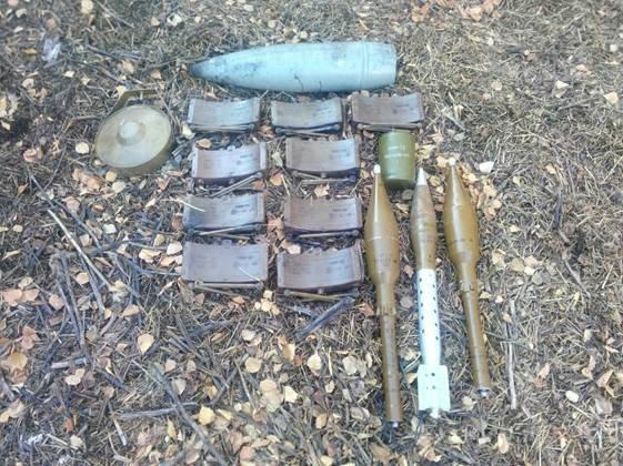 В Донецкой области в подвале дачи были спрятаны ПЗРК «Игла» и множество боеприпасов (фото) - фото 3
