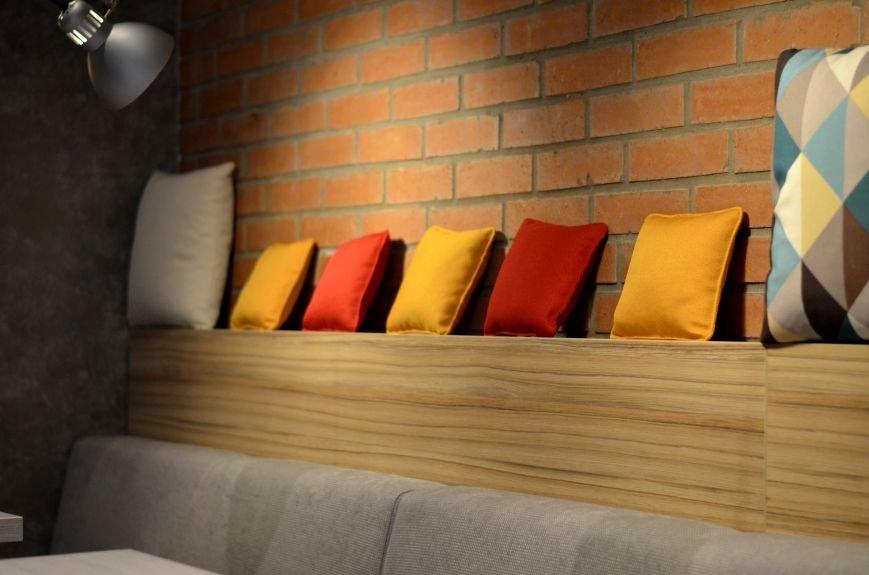 Гомельский паб «Гарри Портер» расширился: новый зал в стиле лофт совместил в себе кальянную и суши-бар, фото-3