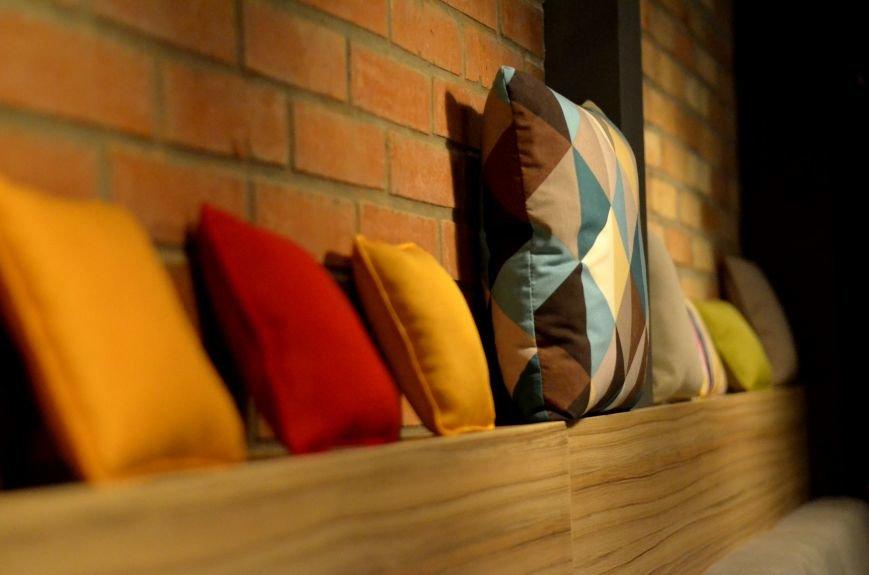 Гомельский паб «Гарри Портер» расширился: новый зал в стиле лофт совместил в себе кальянную и суши-бар, фото-13