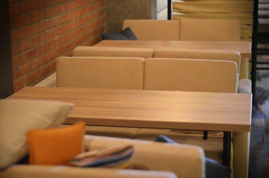 Гомельский паб «Гарри Портер» расширился: новый зал в стиле лофт совместил в себе кальянную и суши-бар, фото-22