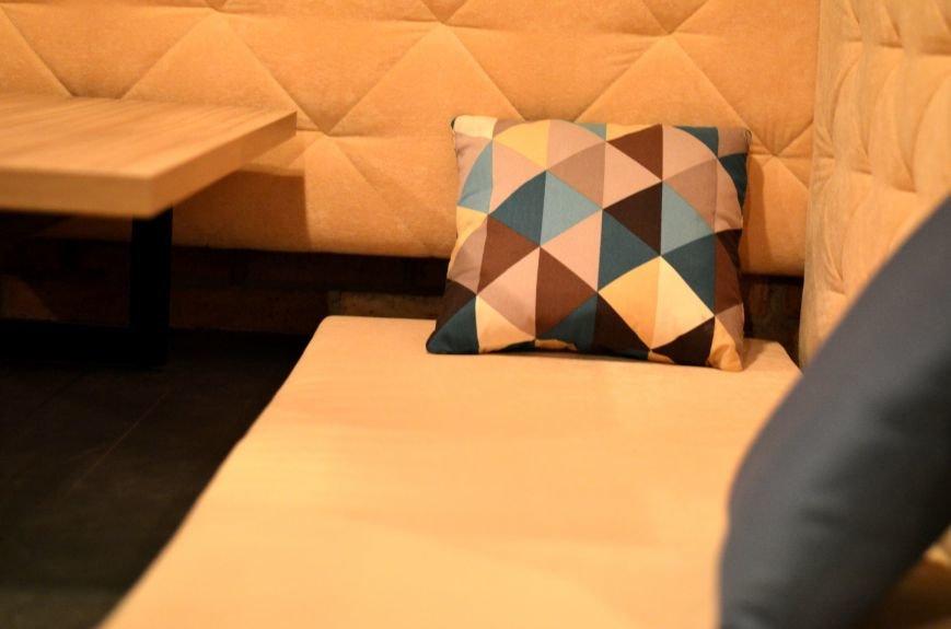 Гомельский паб «Гарри Портер» расширился: новый зал в стиле лофт совместил в себе кальянную и суши-бар, фото-7