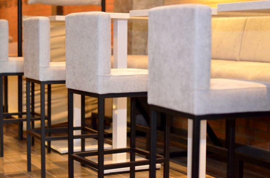 Гомельский паб «Гарри Портер» расширился: новый зал в стиле лофт совместил в себе кальянную и суши-бар, фото-10
