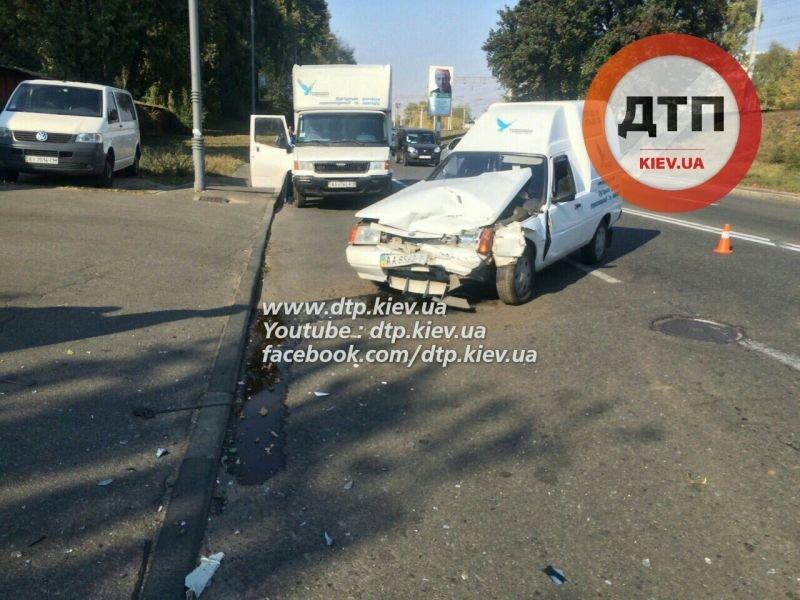 На Гринченко в лобовом столкновении двух авто пострадал мужчина (ФОТО), фото-2