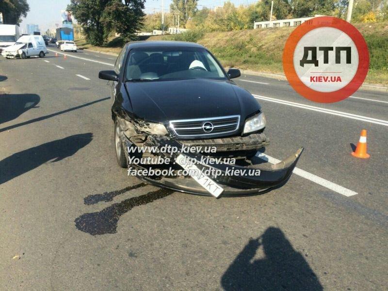 На Гринченко в лобовом столкновении двух авто пострадал мужчина (ФОТО), фото-3