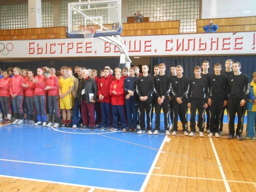 В Днепродзержинске стартовал волейбольный турнир «Кубок Освобождения» (фото) - фото 7