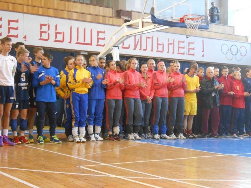 В Днепродзержинске стартовал волейбольный турнир «Кубок Освобождения» (фото) - фото 9
