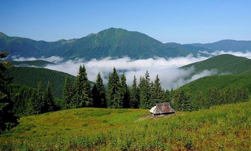 Де відпочити восени в Україні: топ-10 місць (фото) - фото 1