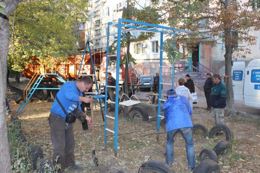 Сергей Коваленко занимается благоустройством днепродзержинских дворов, фото-7