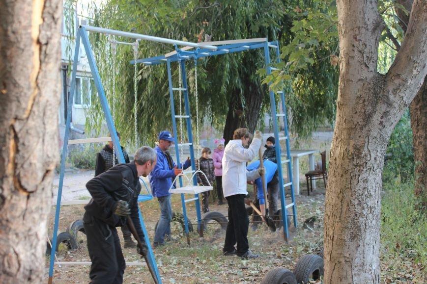 Сергей Коваленко занимается благоустройством днепродзержинских дворов, фото-6