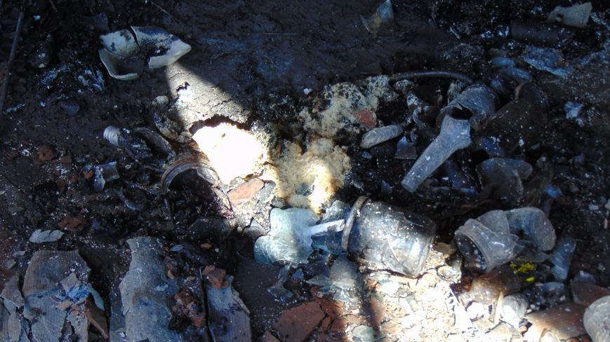 Пожар в Мариуполе уничтожил торговый киоск (ФОТО+ВИДЕО) (фото) - фото 1