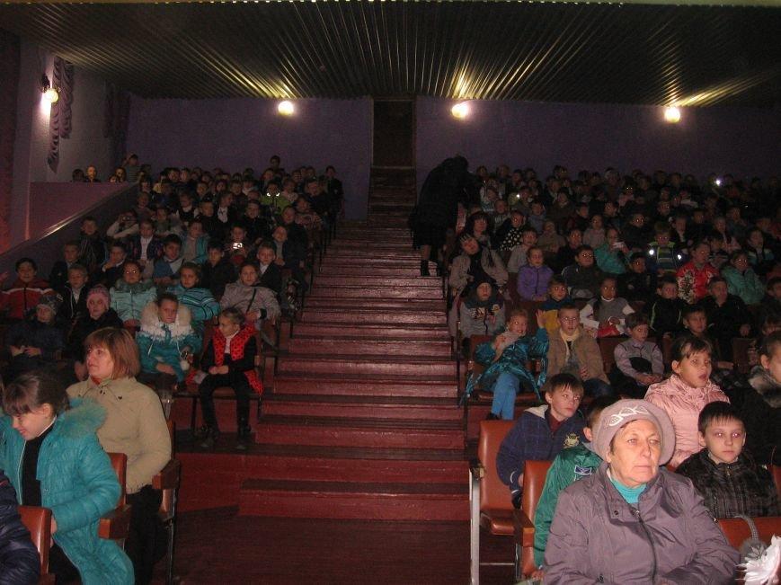 Спасатели вместе с актерами учат павлоградских детей основам безопасной жизнедеятельности, фото-2